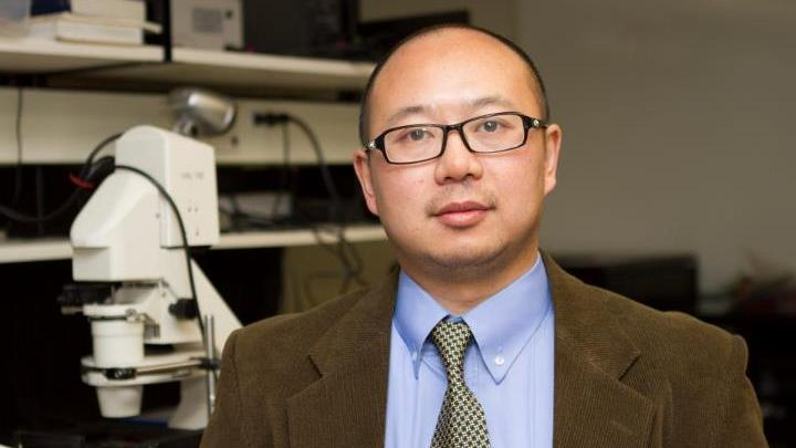 Dr. Qiyin Fang Develops Innovative Device to Better Detect Signs of Cancer