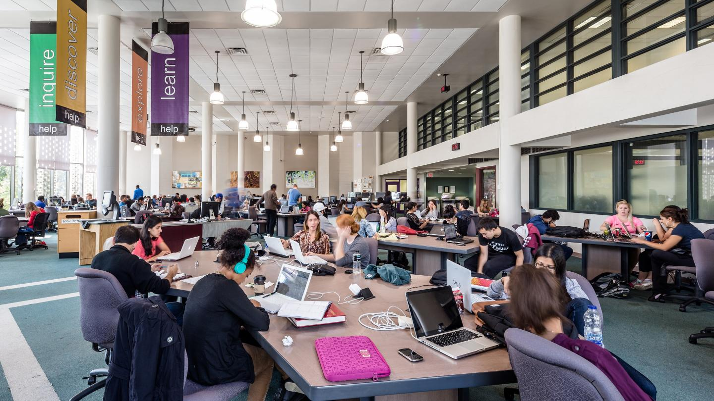 Campus & Online Learning Spaces