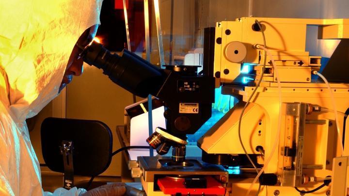 Introductory Quantum Mechanics for Applied Nanotechnology