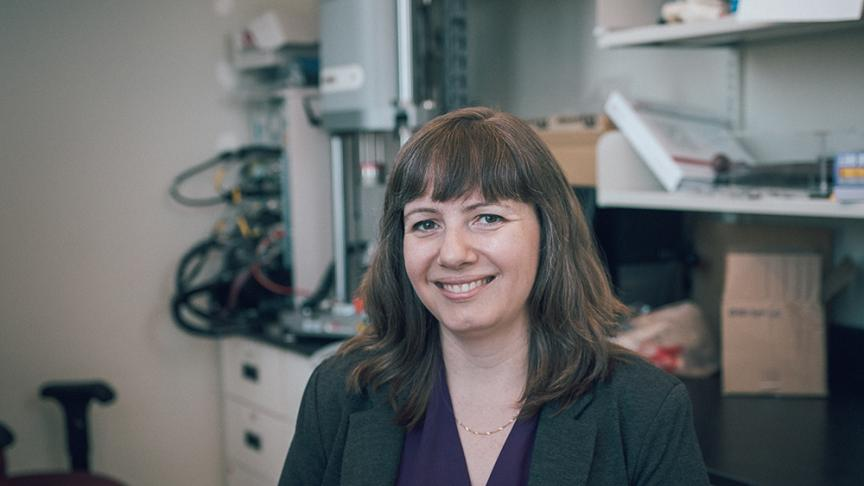 Professor recognized for fostering undergraduate research