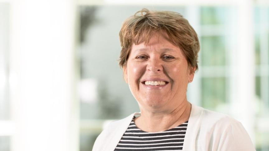Heather Sheardown honoured with YWCA Women of Distinction Award